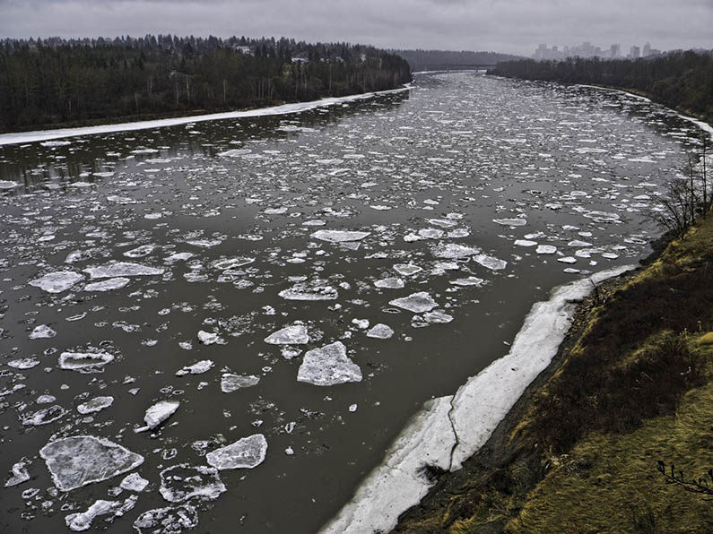 river ice breakup